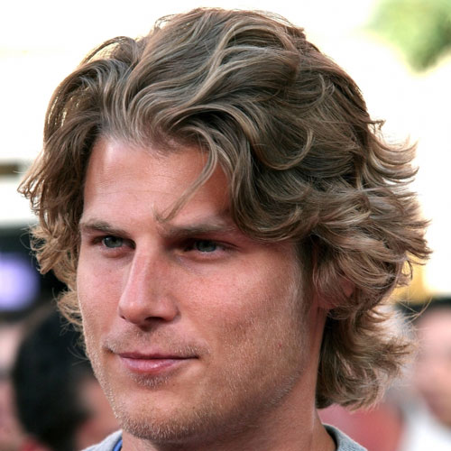 Medium Curly Hairstyle Ideas For Men