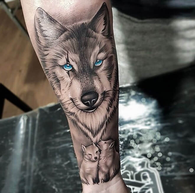 30+ Amazing Wolf Tattoo Designs For Men